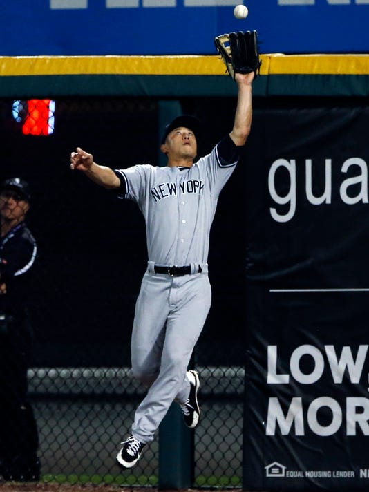New York Yankees right fielder Rob Refsnyder catches a fly ball by Chicago White Sox's Allen Hanson during the fourth inning of a baseball game Thursday, June 29, 2017, in Chicago. (AP Photo/Nam Y. Huh)