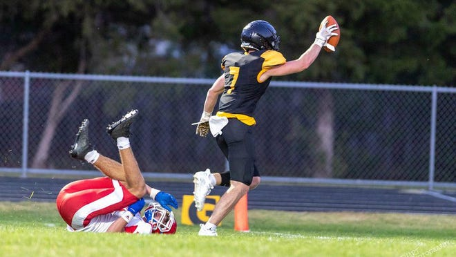 Skylar Shingleton scores a touchdown during Haven's 46-6 win over Marion on Friday.