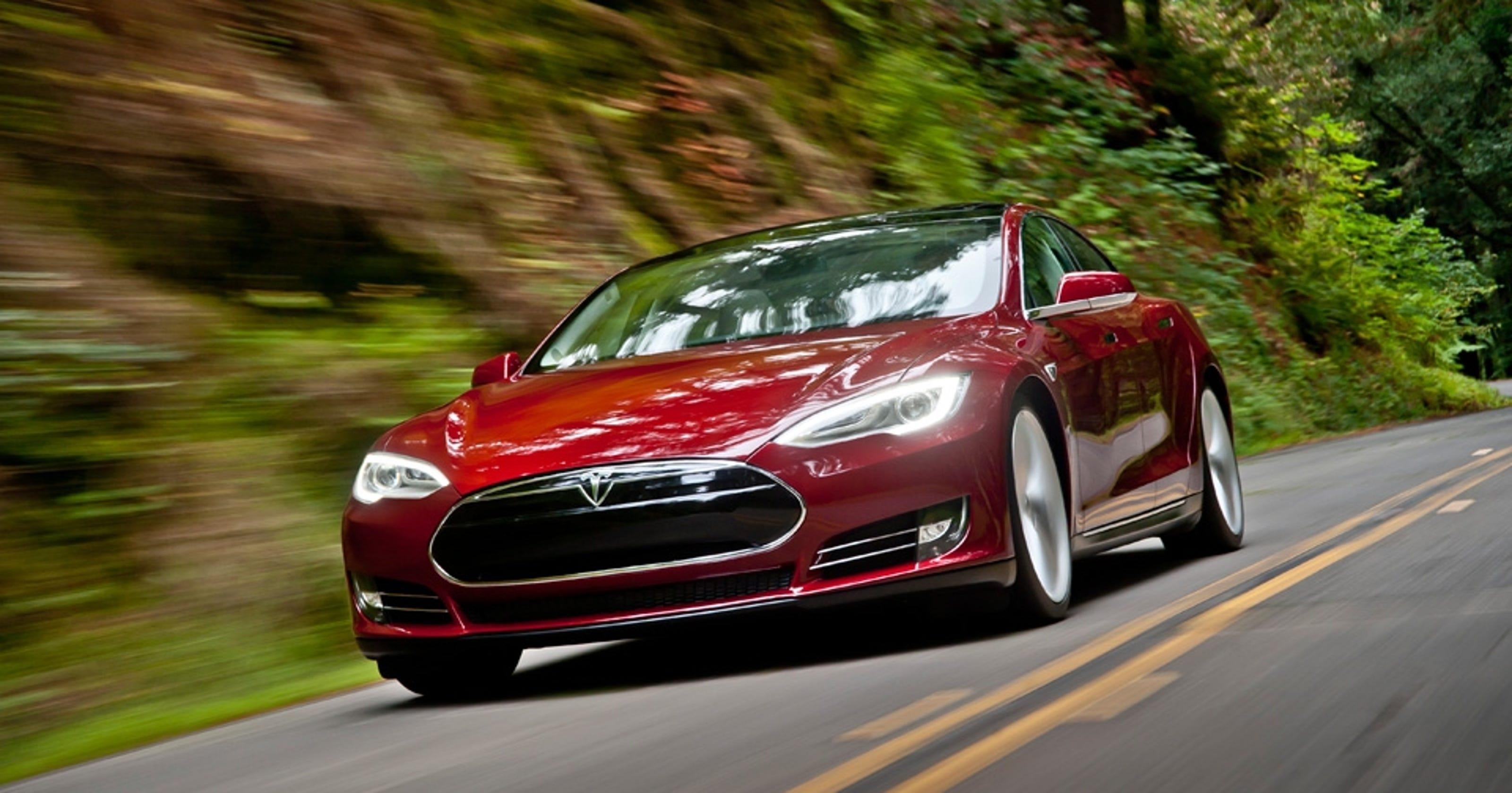 Iowa Curbs Tesla Test Drives