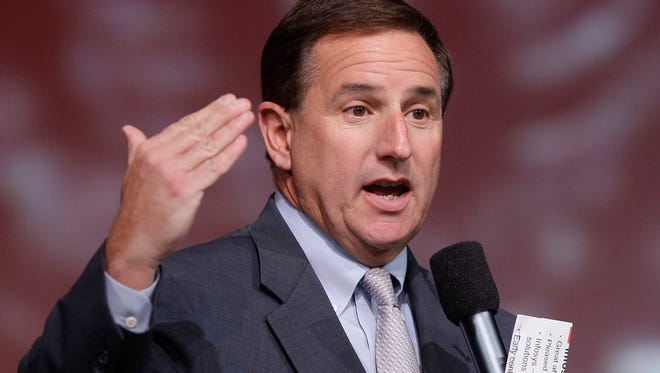 """Hewlett-Packard CEO Mark Hurd, seen here in 2011, was investigated on accusations of violating the company's sexual harassment policy in 2010 for his relationship with an outside marketing contractor. The company found that Hurd, who resigned, didn't violate company policy, but said he submitted inaccurate expense reports that HP said were intended to conceal """"a close personal relationship."""""""
