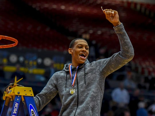 Vikings' Darius Bazley gets his piece of the net after