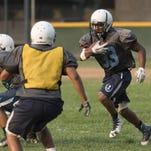 High School Football: Redwood Preview