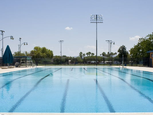 How to stop spread of cryptosporidium in pools