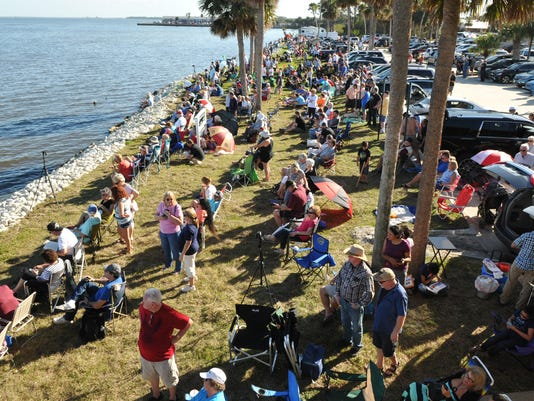 SpaceX Falcon Heavy launch crowds