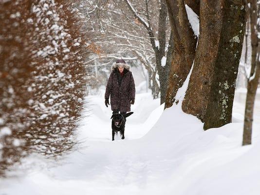 635590963090399671-db-snow-0215-8298