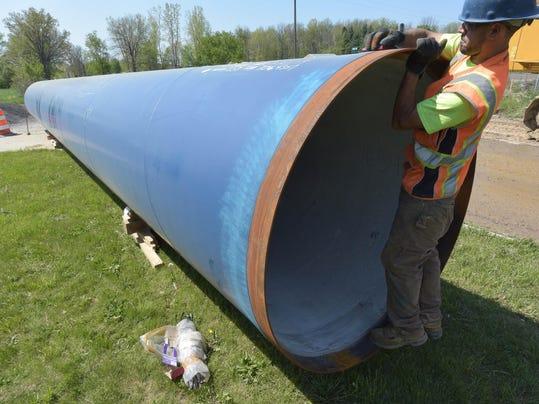 052316-dy-Flint-Water-Pipeline0358
