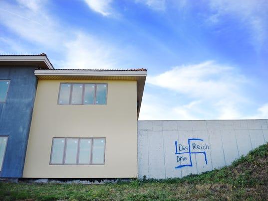 636446193070041868-Abandoned-mansion-002.JPG