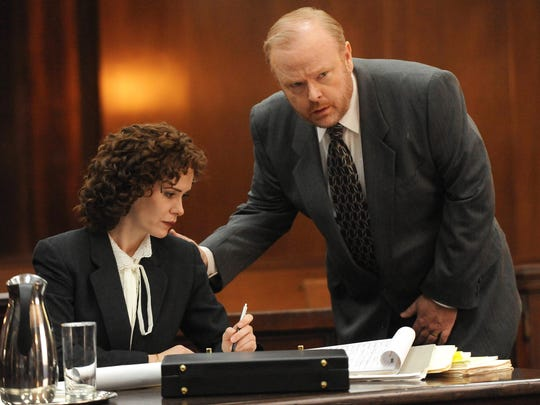 Pictured: (l-r) Sarah Paulson as Marcia Clark, Christian Clemenson as Bill Hodgman.
