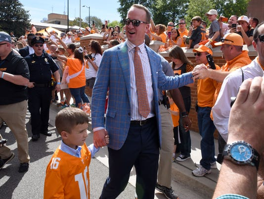 04 Peyton in Vol Walk