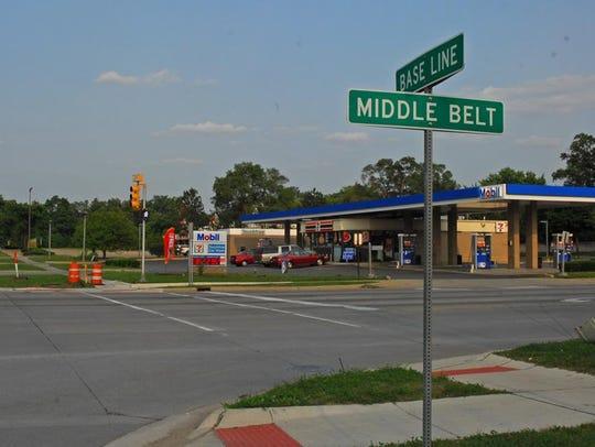 Base Line Road (Eight Mile) at Middle Belt (spelled