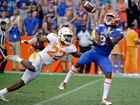 Florida wide receiver Tyrie Cleveland catches the winning