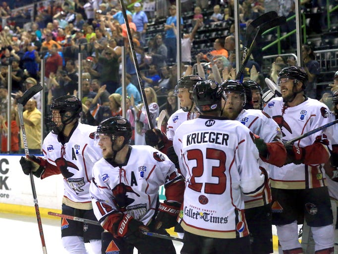 IceRays players celebrate after defeating Shreveport