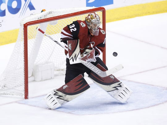 Coyotes goaltender Antti Raanta makes a save during Saturday's shootout loss.