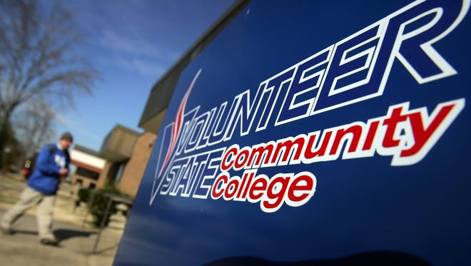 Volunteer State Community College has been awarded a grant from AT&T to help meet the needs of non-traditional students.
