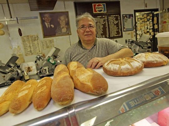 Ralph Papa, the owner of the legendary Papa's Food Market in Wilmington's Little Italy, died Saturday at the age of 70.