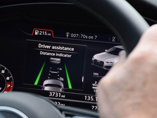 Instrument cluster of Audi S5 Sportback delivers crisp