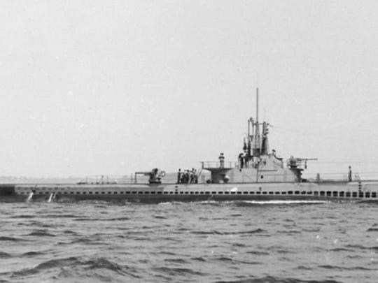 USS Ling at sea.