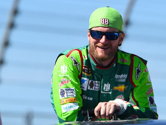 Dale Earnhardt Jr. enters virtual reality space in new video game