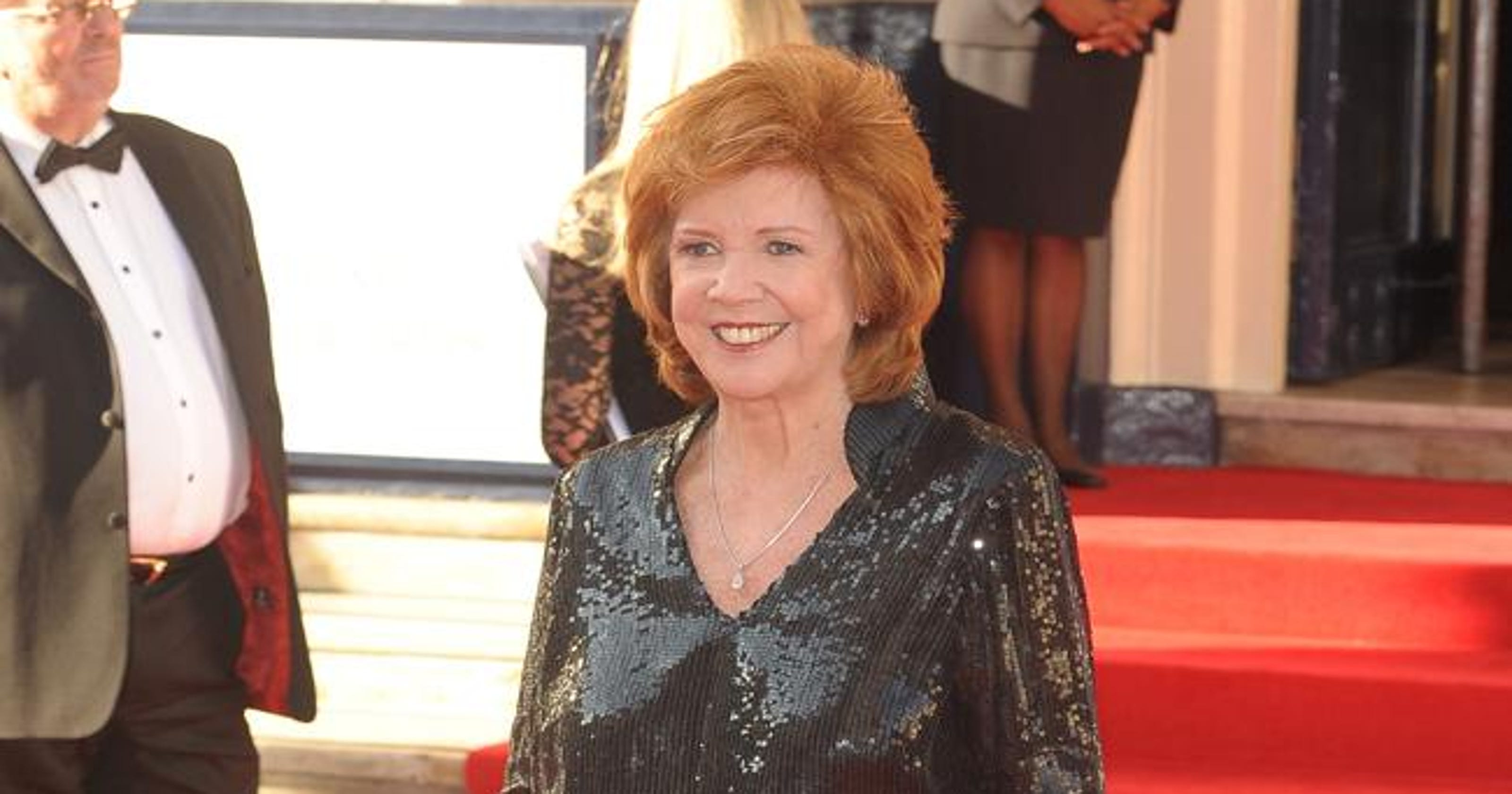 a4ba4e753e57 Joan Collins leads tributes to Cilla Black