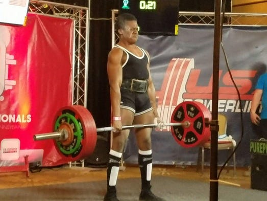 Kennard-Dale's Shawn Ellis deadlifts 551 pounds during