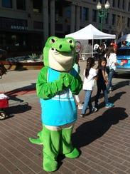 El Paso Zoo mascot