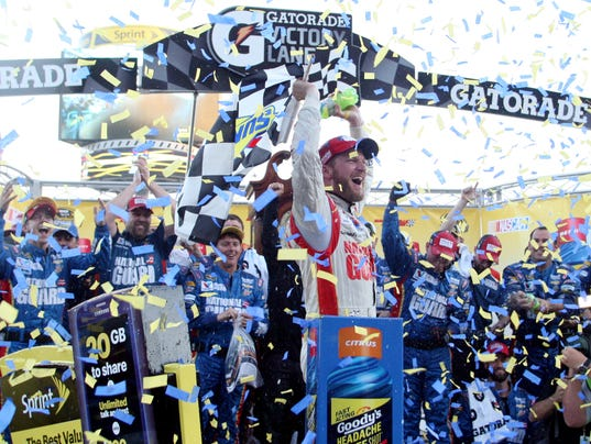 10-26-2014 dale earnhardt jr. victory lane