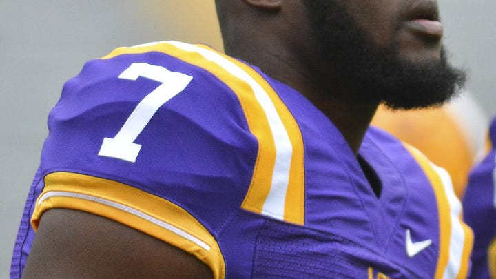 LSU's Fournette suffers low ankle sprain