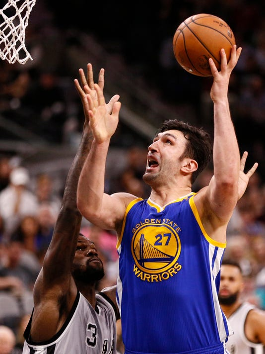 26b16a165 San Antonio Spurs beat Golden State Warriors in showdown of reserves