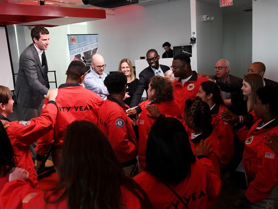 The City Year Detroit AmeriCorp graduates connects