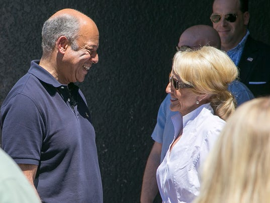 Gov. Jan Brewer, Jeh Johnson