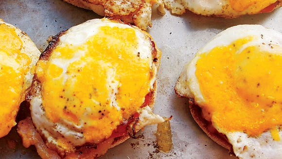Simple English Muffins with Egg and Canadian Bacon