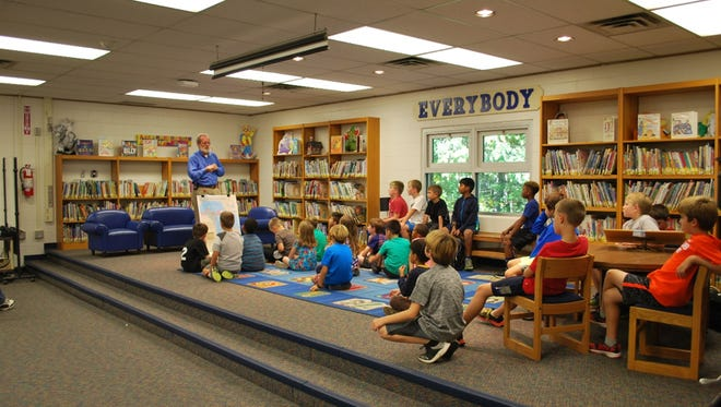 Oakland County Water CommissionerJim Nash  visited Kenbrook Elementary School to help the Kenbrook Koalabotz learn about the human water cycle.
