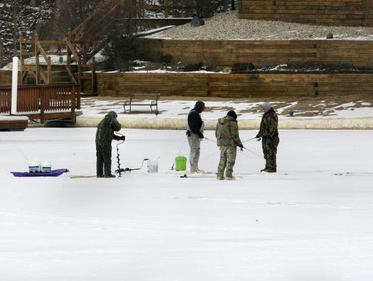 Ice fisherman found dead in pond near fort wayne for Ice fishing indiana