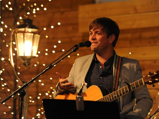 Dave Barnes will play Ryman Auditorium Saturday.