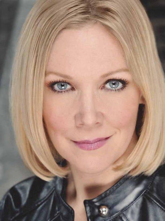 Teri Hansen Headshot