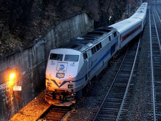 -SA_Pok_Train_02.jpg_20131202.jpg