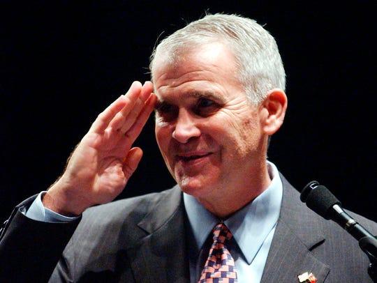 Ret. Lt. Col. Oliver North, salutes Mississippi's Medal
