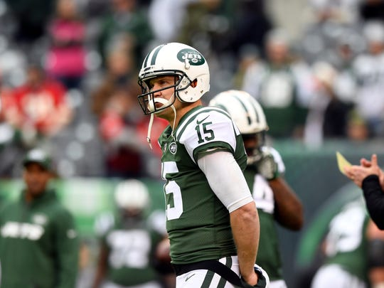 New York Jets quarterback Josh McCown (15) on the field for warm-ups. Kansas City Chiefs at the New York Jets in East Rutherford, NJ on Sunday, December 3, 2017.