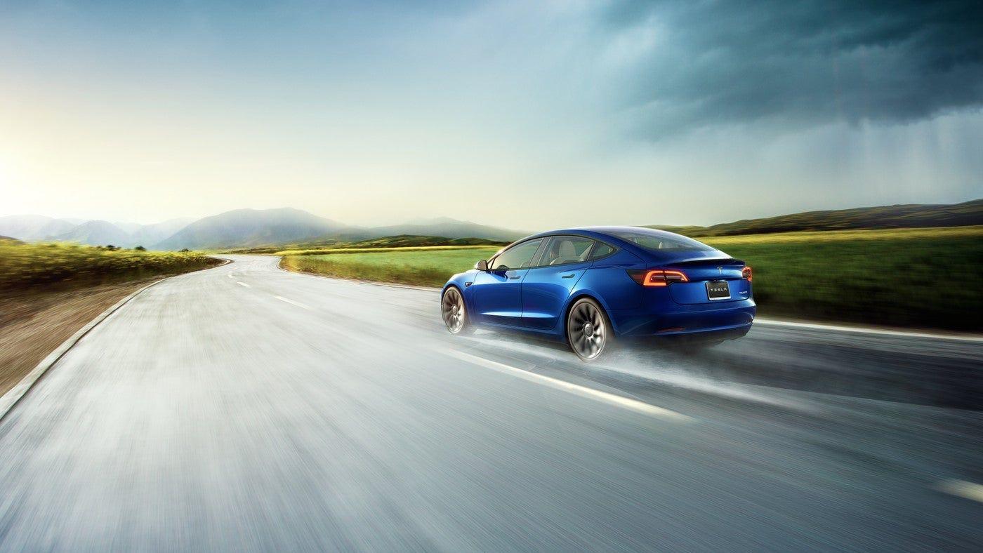 usatoday.com - Nathan Bomey, USA TODAY - Hertz to buy 100,000 Teslas as rental car company pivots toward electric vehicles