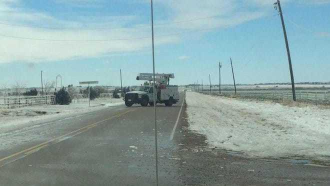 Oncor says it is prepositioning electrical crew to be ready for a major snowstorm predicted for this weekend.