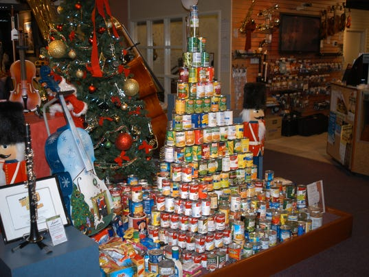 636150855971155245-Tree-of-cans.JPG
