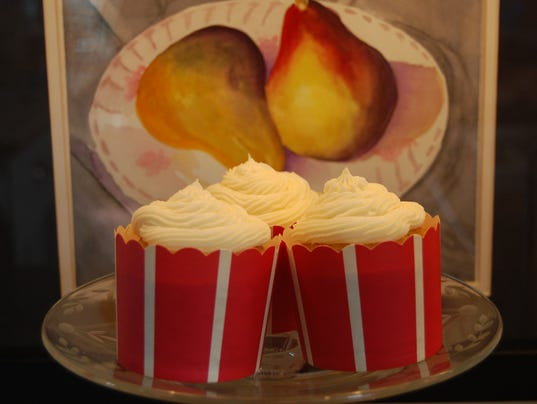 636301208135866552-Rich-Almond-Cupcakes.jpg