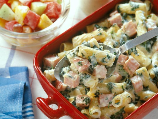 Baked ham and rigatoni with spinach
