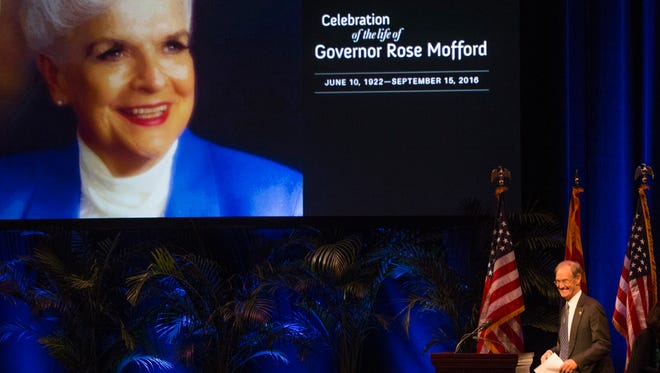 Former Arizona Attorney General and Phoenix Mayor Terry Goddard walks to the stage during a memorial for former Gov. Rose Mofford on Oct. 30, 2016, in Phoenix.