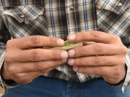 636324579554768094-Elko-Marijuana-roll-a-joing-2.jpg