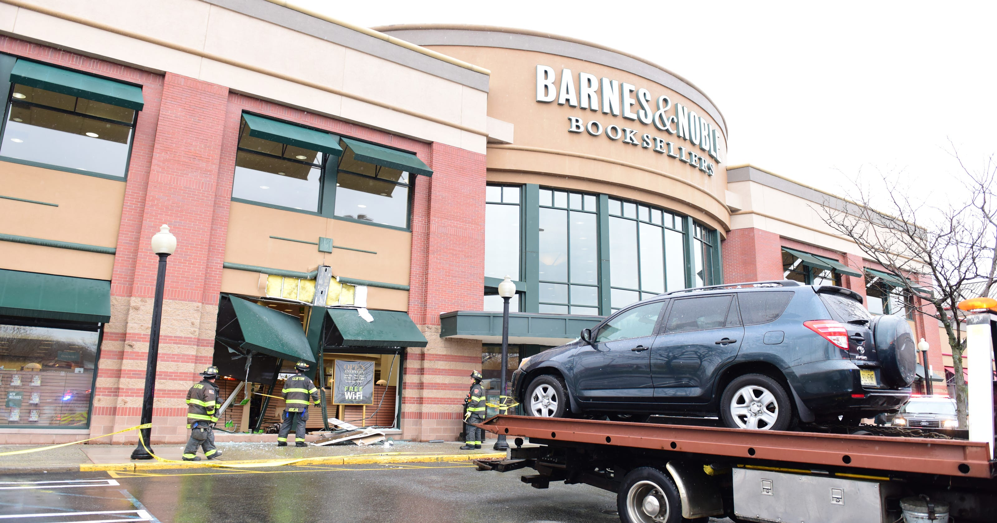 Clifton NJ: Car crashes into Barnes and Noble bookstore on ...