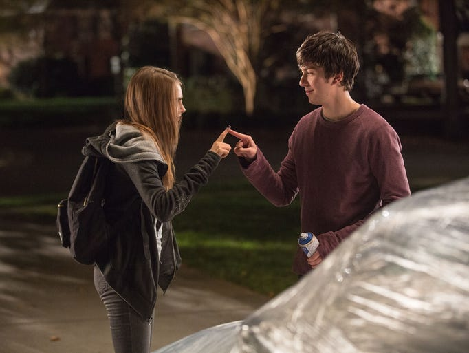Longtime neighbors Margo (Cara Delevingne) and Quentin