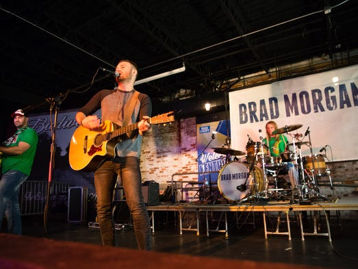 Brad Morgan of Nashville, Tenn. sings with his band