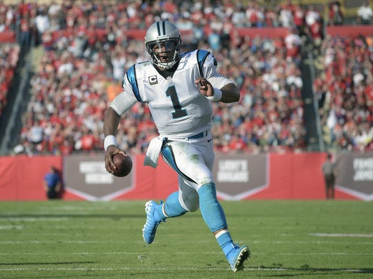 Panthers Buccaneers Football (2)