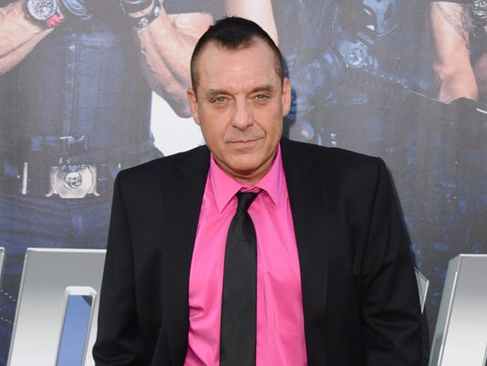 AP PEOPLE TOM SIZEMORE A FILE ENT USA CA